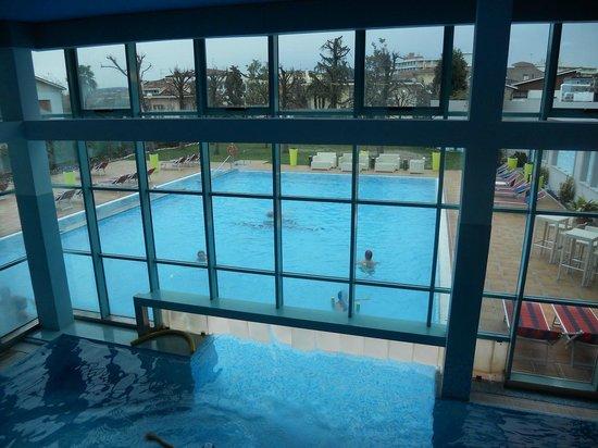 Hotel Abano Terme Cristoforo: vista dal sopplaco della piscina