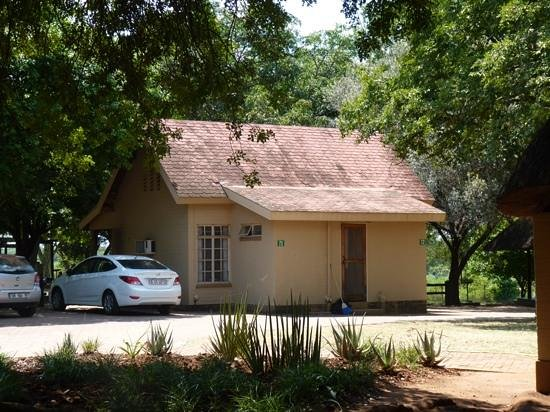 Lower Sabie Restcamp: basic accomodation