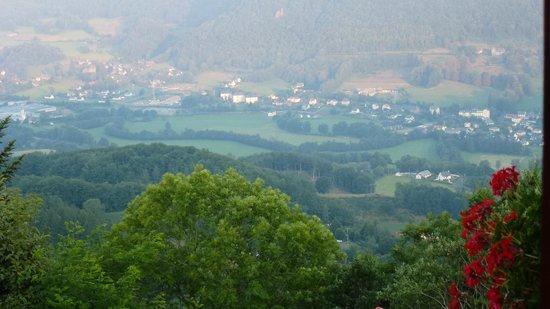 هوستليري سانت كليمنت: vue de la vallée
