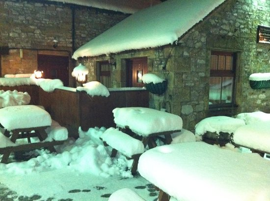 The Peacock Bakewell: Outside facing room, in the snow