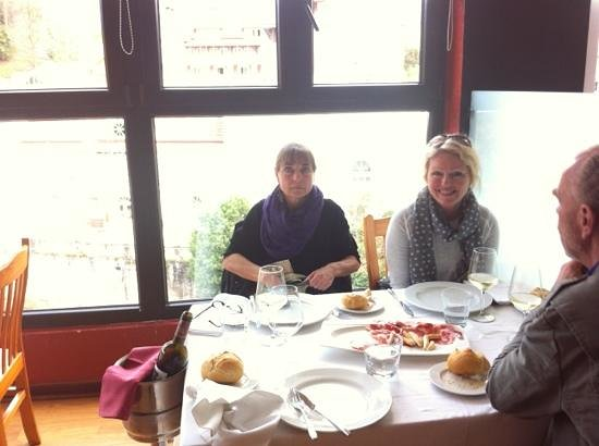 El Marques: nice lunch with a nice view over the river
