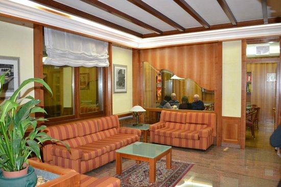 Hotel Excelsior: Salotto bar