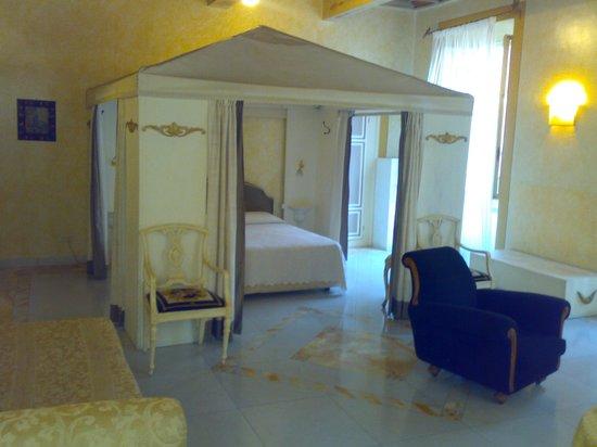 Residenza al Corso: Stanza