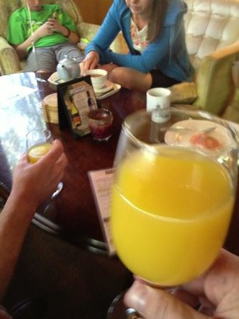 Bottomless Mimosas Are A Hit Picture Of Candlelight