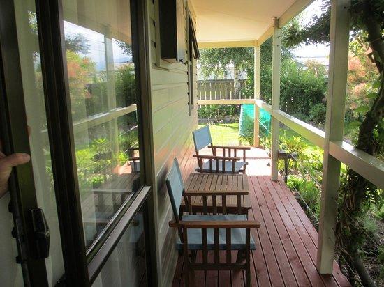 Aoraki Lodge: la petite terrasse devant la chambre d'où l'on aperçoit le mont cook