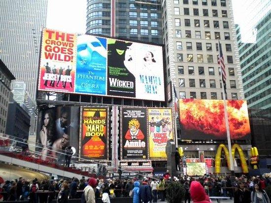 On se voit photo de times square new york tripadvisor for Photo ecran times square
