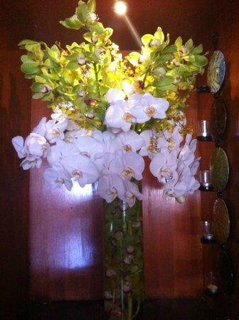 Crabtrees Restaurant: Flowers