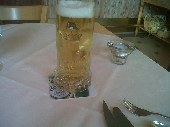 Cafe-Hotel Konig: A welcome beer to start
