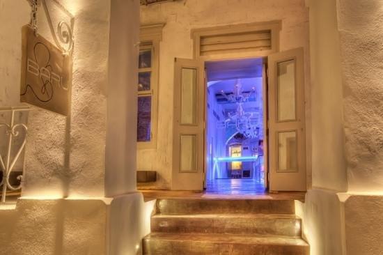 Baru Bar: entrance