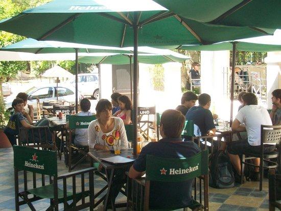 Hostel Uno: Bar