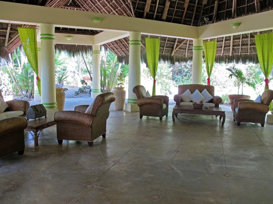 Tamarind Beach Hotel & Yacht Club: Lobby area