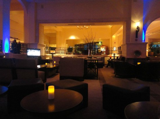 Westin La Paloma Resort and Spa: Bar area