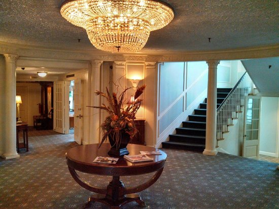 Mid Pines Inn and Golf Club: Lobby