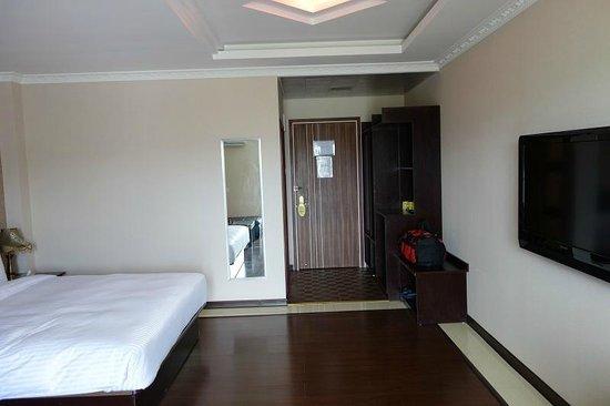 Grand Hoyah Hotel: Room with balcony