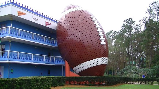 Disney's All-Star Sports Resort: Touchdown building.