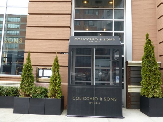 Colicchio & Sons Tap Room: Outside!
