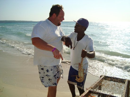 Cheap Thrill Corner: Captain Gus and RJ.....with our lobster