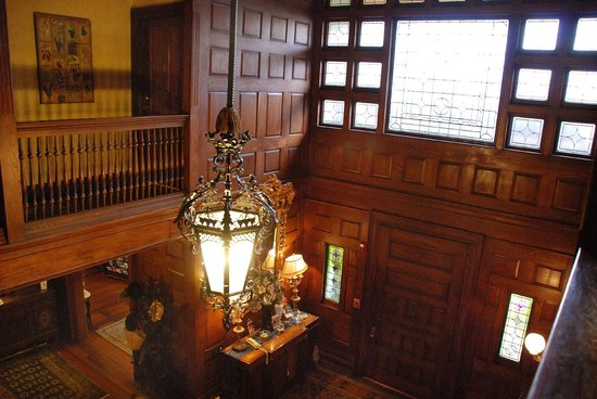 Ivy Lodge: main hall