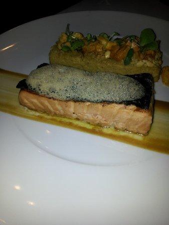 Marc De Passorio : saumon cuit avec des saveurs de café