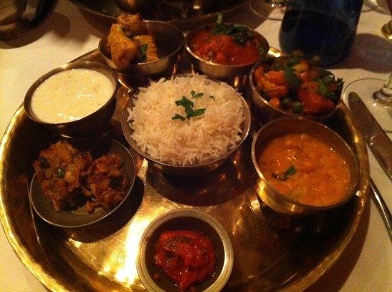 Monty's of Kathmandu: Sampler platter