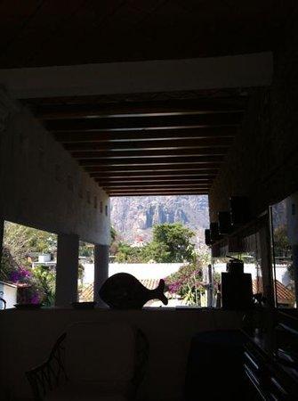 Villas Xochiquetzal Hotel: vista del tepozteco!