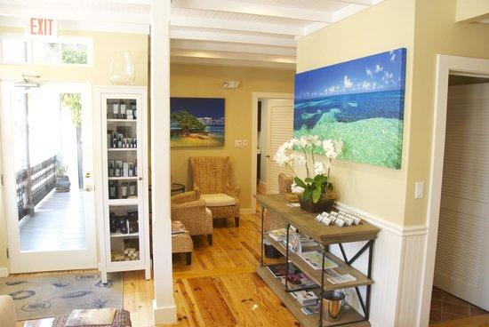Ocean Wellness Spa & Salon: the lobby