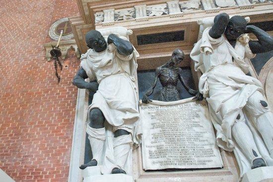 Basilica Santa Maria Gloriosa dei Frari: Те самые мавры