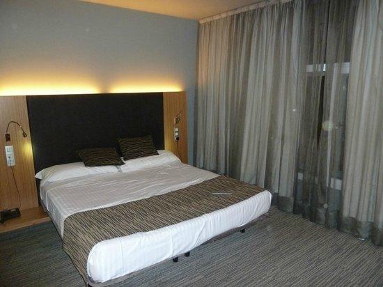 Petit Palace Alcala : bedroom