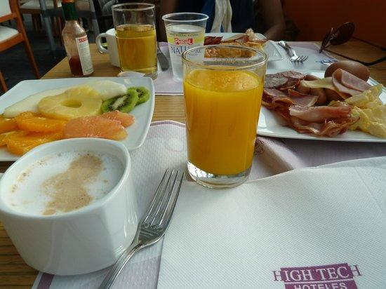 Petit Palace Alcala : breakfast