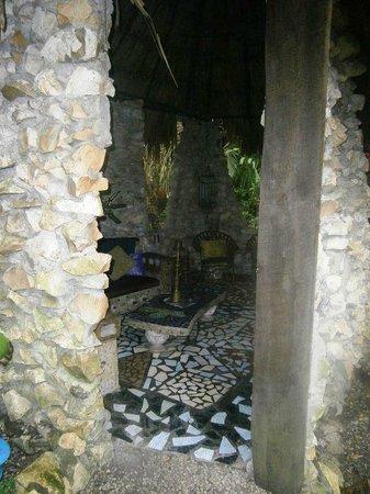 Maruba Resort Jungle Spa: hookah lounge
