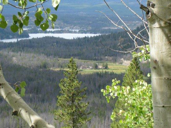 Spirit Lake Lodge: Family hike beyond Adams Falls.