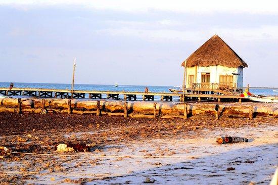Amaité Hotel & Spa: Playa afuera del hotel
