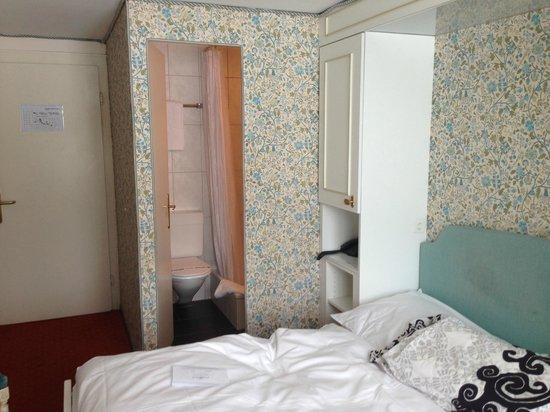 Posthotel Holiday Villa Arosa: Zimmer