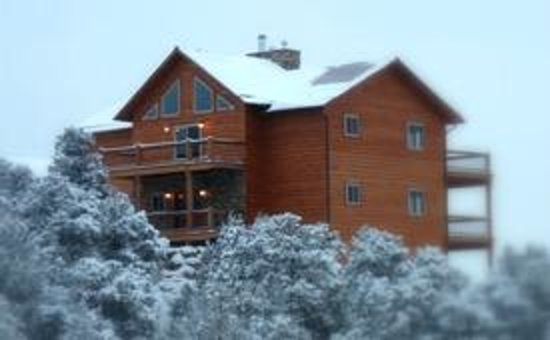 Royal Gorge Vacation Rentals: Winter Picture - 5000 sq ft!