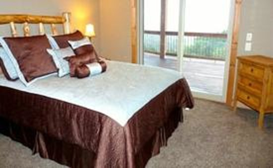 Royal Gorge Vacation Rentals: One of 6 bedrooms!