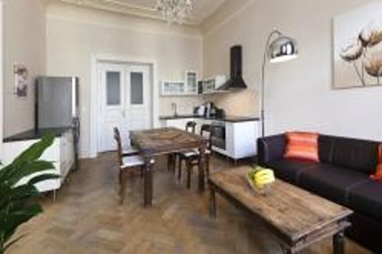 Your Apartments: Prague apartment near Old Town Square