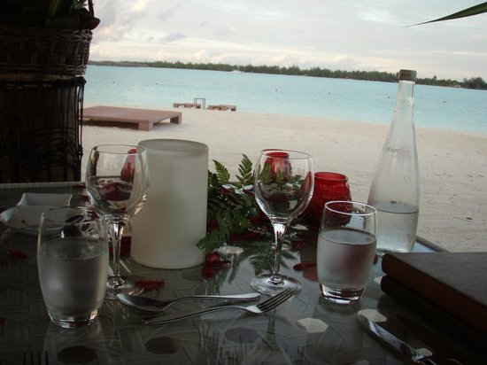 St. Regis Bora Bora Resort: our private dinner on the beach