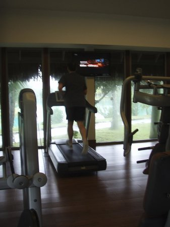The St. Regis Bora Bora Resort: gym