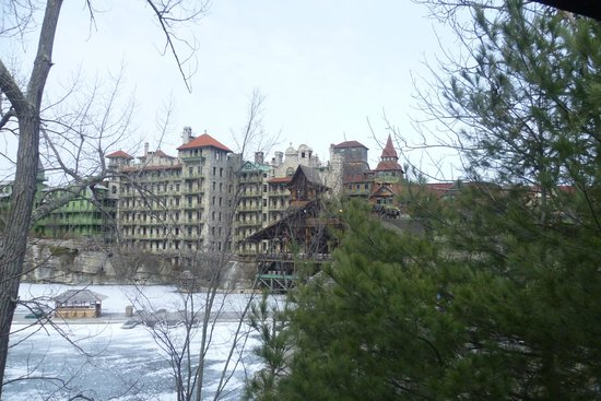 Mohonk Mountain House: Hotel as seen from Skating Rink area