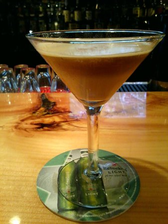 Shea O'Brien's: Toasted Almond chocolate drizzel martinii! OMG!!!