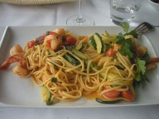 Ristorante Portonovo: Linguine with shrimps, zucchini in lobster sauce