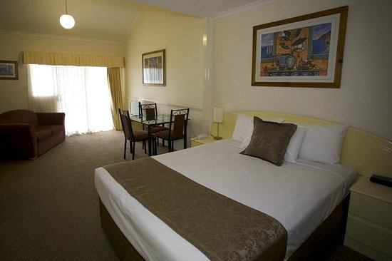 Toowong Inn & Suites: Loft Suite Down Stairs