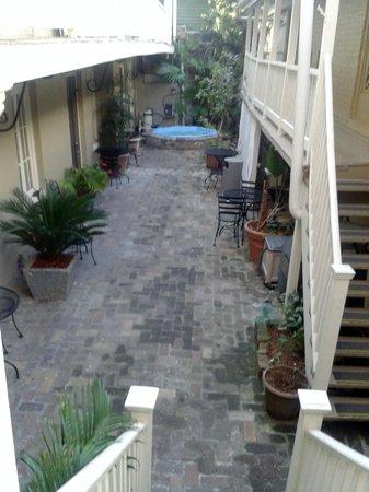 Inn on Ursulines: Courtyard