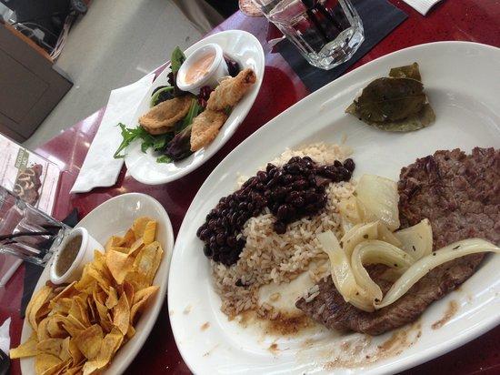 Bongos Cuban Cafe : Bistec de Palomilla