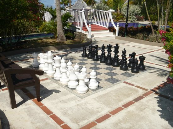 Sandals Grande St. Lucian Spa & Beach Resort: Giant chess board