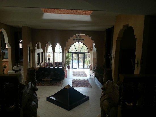 Hotel Temple des Arts: hall d'accueil