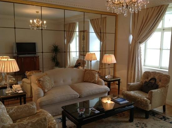 Four Seasons Hotel Prague: Duplex suite 335