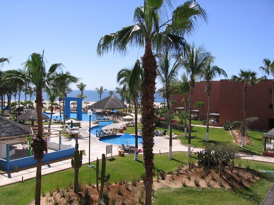 Holiday Inn Resort Los Cabos All-Inclusive: One of three pools