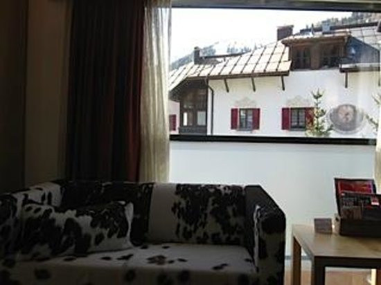 Skihotel Galzig: Comfy sofa