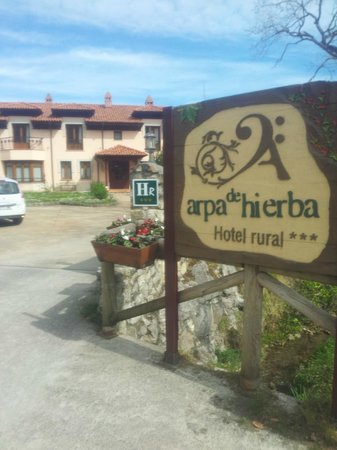 Hotel rural Arpa de Hierba: acceso hotel